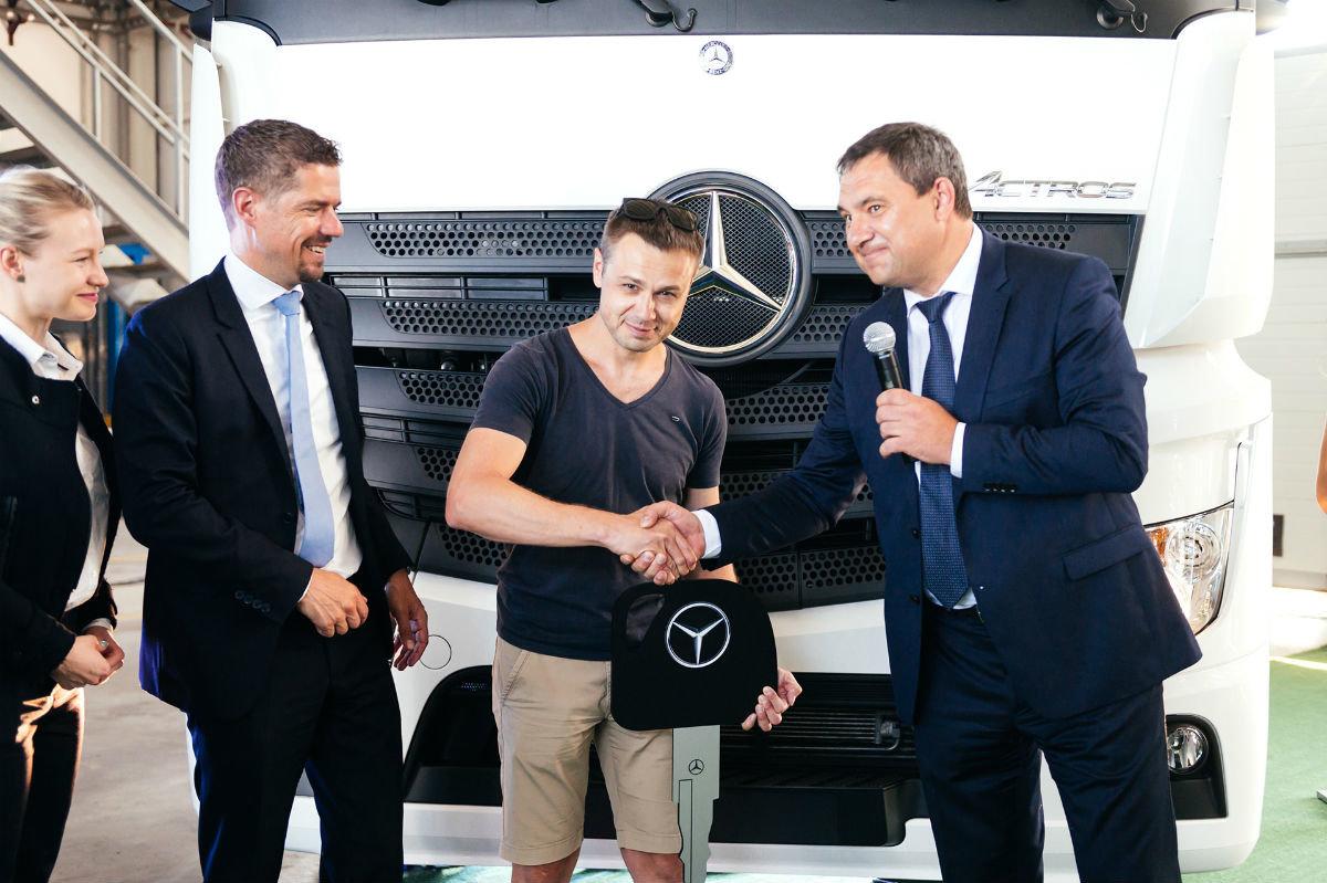 В Белгороде открылся дилерский центр по продаже и сервису грузовиков Mercedes-Benz, фото-13