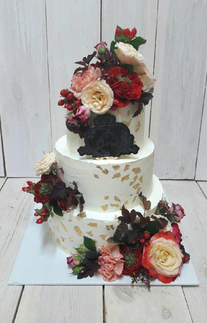 Студия дизайнерских тортов «Тортышка». Вишенка на свадебном торте, фото-3