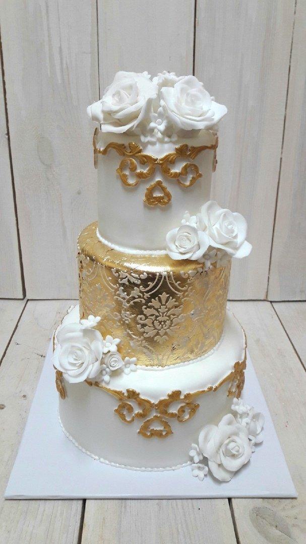 Студия дизайнерских тортов «Тортышка». Вишенка на свадебном торте, фото-4