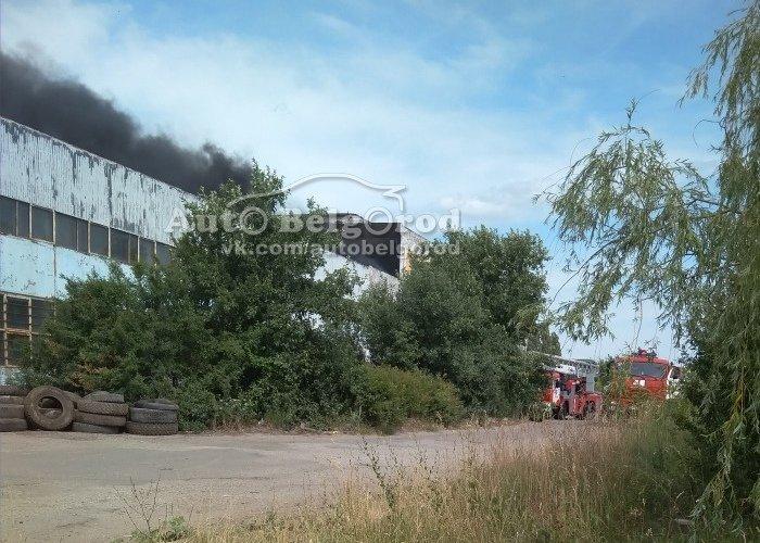 В Белгороде потушили пожар на складе, фото-2