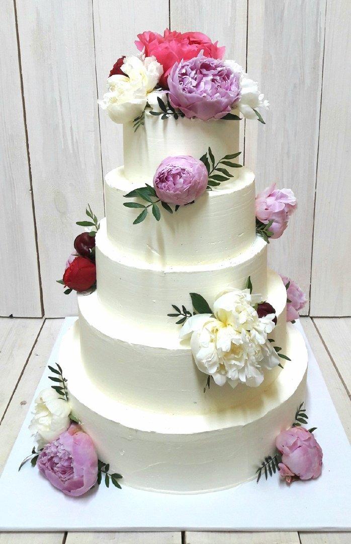 Студия дизайнерских тортов «Тортышка». Вишенка на свадебном торте, фото-5