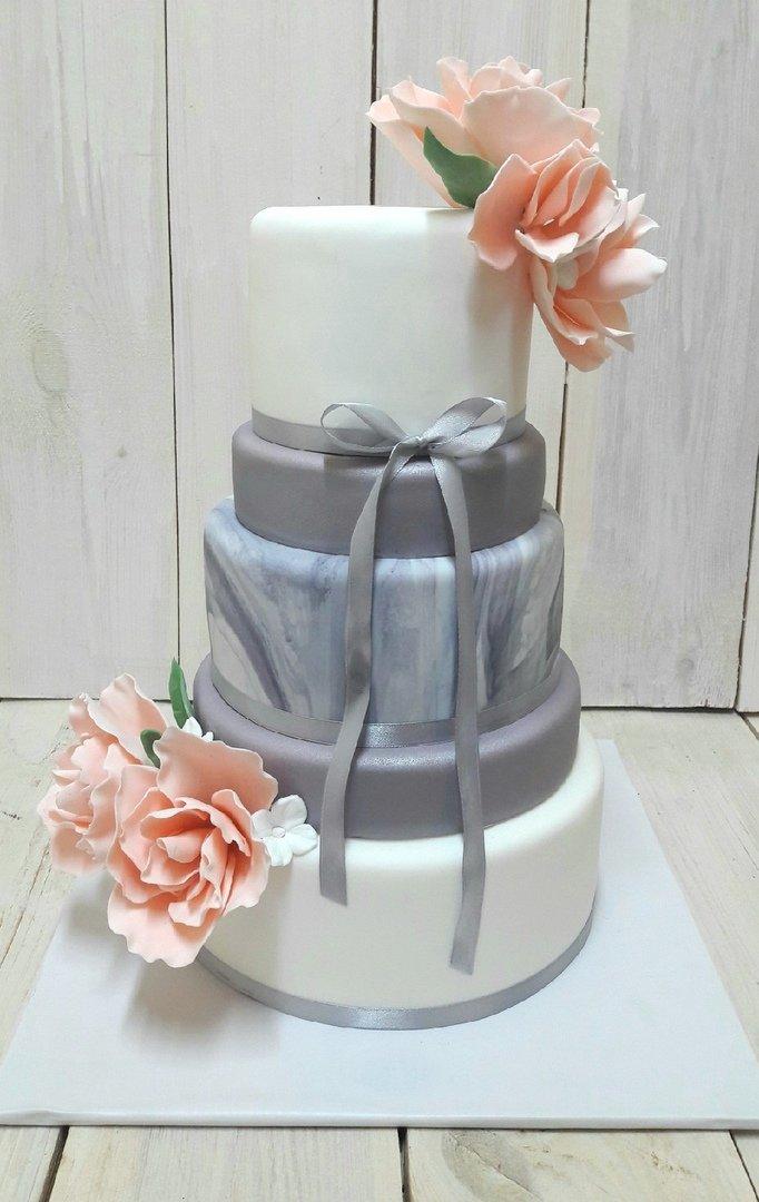 Студия дизайнерских тортов «Тортышка». Вишенка на свадебном торте, фото-6