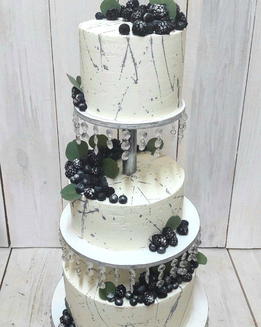 Студия дизайнерских тортов «Тортышка». Вишенка на свадебном торте, фото-10