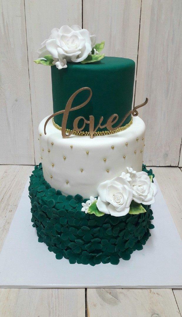 Студия дизайнерских тортов «Тортышка». Вишенка на свадебном торте, фото-12