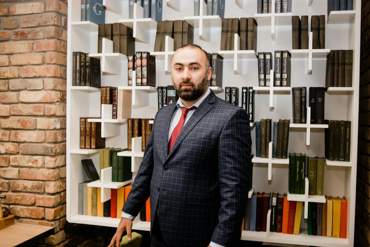 Председатель совета «Ассамблея народов России» прокомментировал инициативу мэра Белгорода о запрете пивных в жилых домах, фото-1