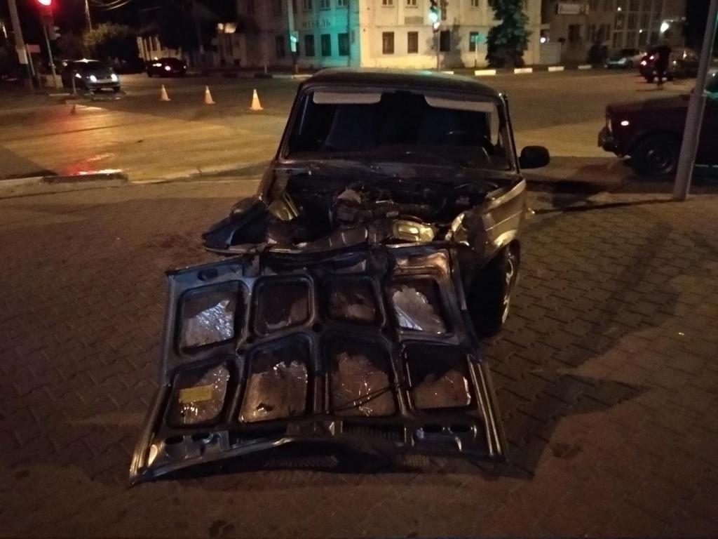 Под Белгородом сгорела врезавшаяся в столб «Газель» , фото-2