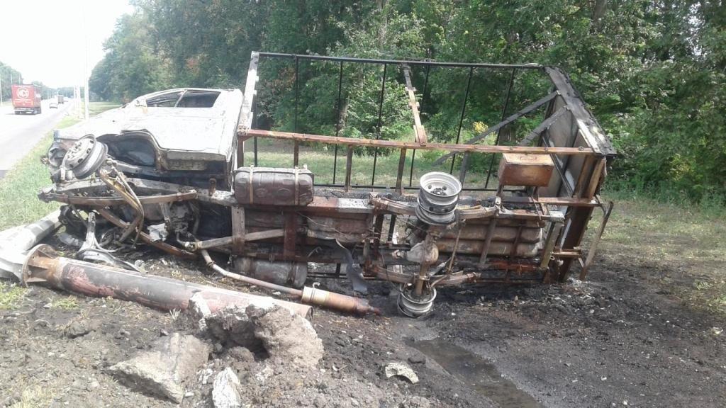 Под Белгородом сгорела врезавшаяся в столб «Газель» , фото-1