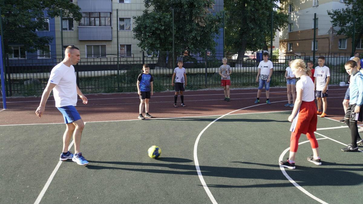 Сергей Фуглаев принял участие в тренировке детей по программе «Дворовый тренер» , фото-12