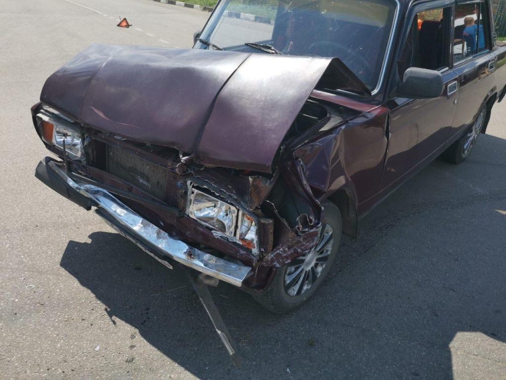 В Ивнянском районе водитель легковушки насмерть переехал лежащего на дороге мужчину , фото-2