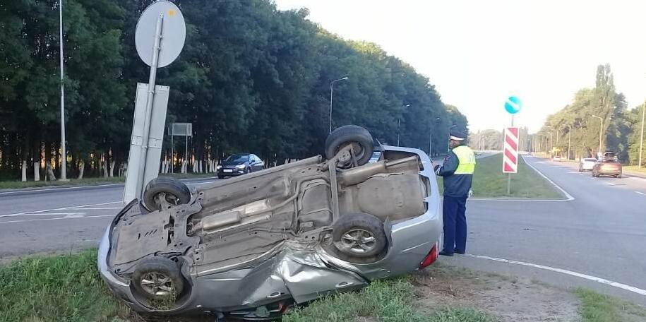 В Старом Осколе водитель иномарки погиб после столкновения с опорой ЛЭП, фото-2