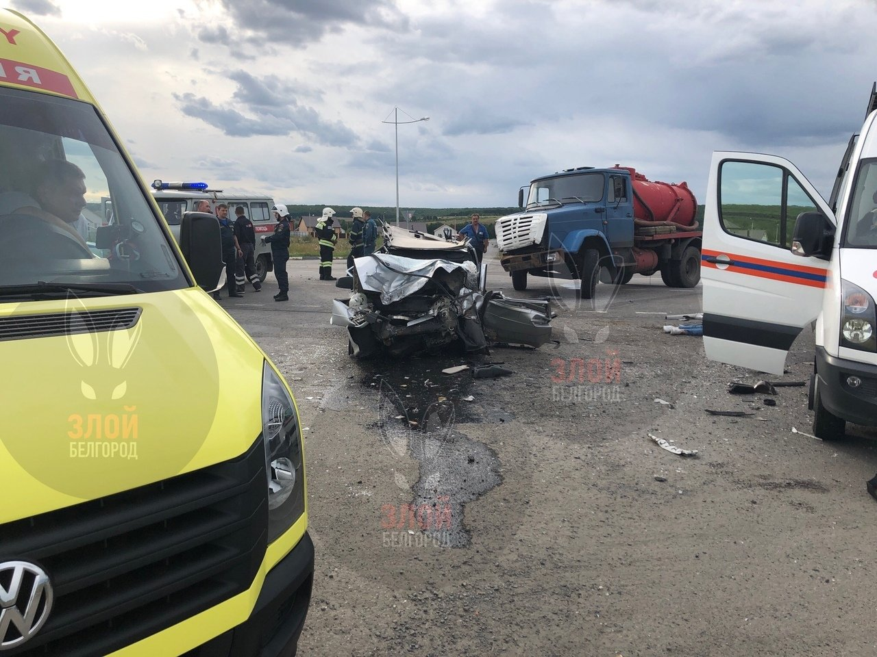 Под Белгородом ЗИЛ смял ВАЗ: два человека погибли, фото-3