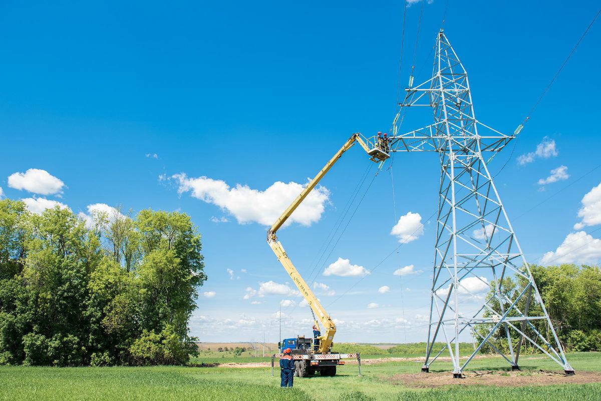 К предстоящему отопительному сезону белгородские энергетики отремонтировали  более 1000 км ЛЭП, фото-1