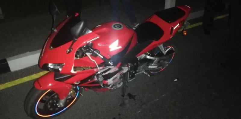 В Алексеевке пьяный мотоциклист столкнулся с фурой, фото-1