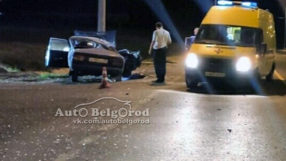 Под Белгородом ВАЗ влетел в фонарный столб: погиб 19-летний пассажир, фото-1