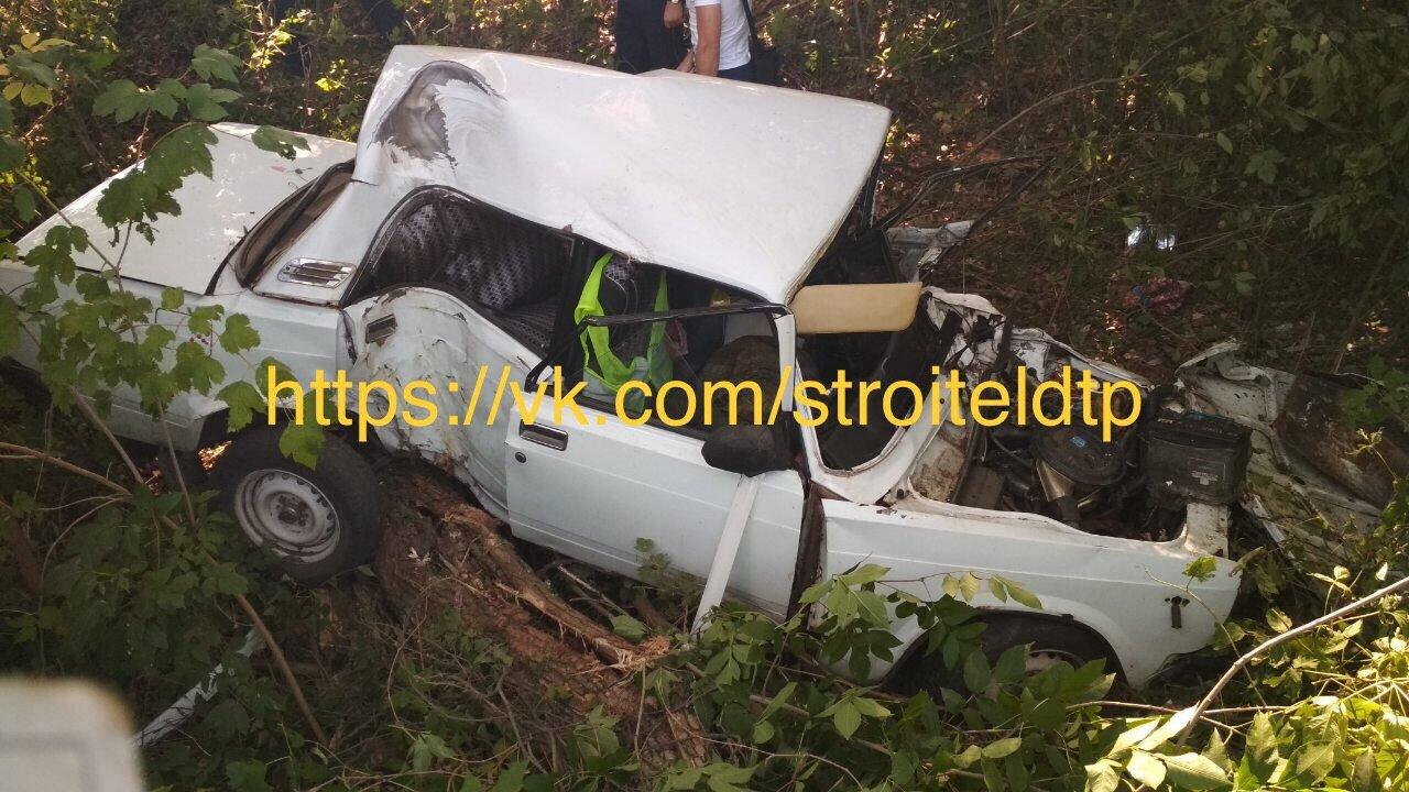 Под Белгородом погиб водитель врезавшегося в дерево ВАЗа, фото-1
