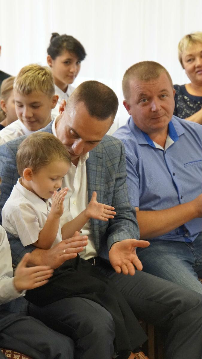 Сергей Фуглаев поздравил с Днём знаний детей из реабилитационного центра, фото-2