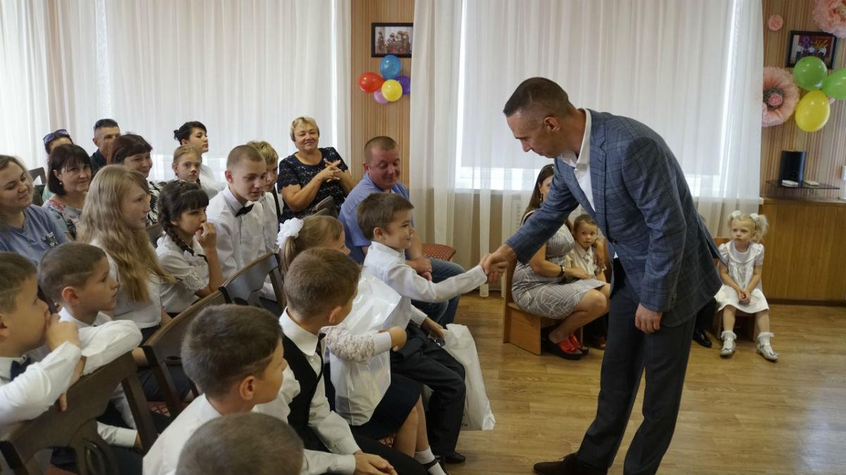 Сергей Фуглаев поздравил с Днём знаний детей из реабилитационного центра, фото-8