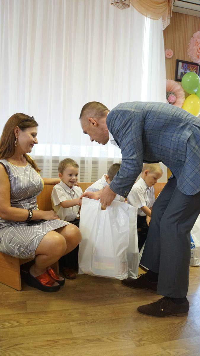 Сергей Фуглаев поздравил с Днём знаний детей из реабилитационного центра, фото-9