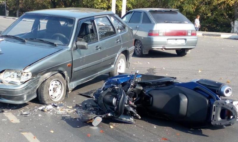 В Белгороде на парковке сбили 17-летнюю девушку, фото-1