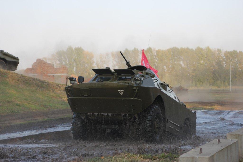 В Белгородской области День танкиста отметили парадом бронетехники, фото-2