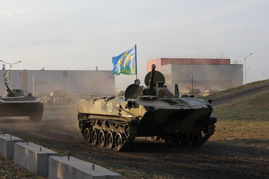 В Белгородской области День танкиста отметили парадом бронетехники, фото-3