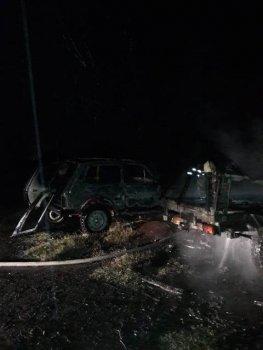 В Губкине ночью сгорели три машины, фото-1
