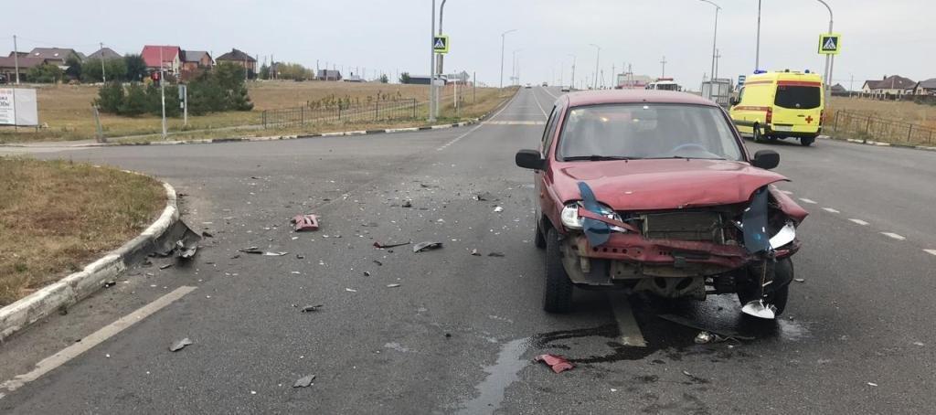 В Белгородском районе водитель «Лады» влетел в опору ЛЭП, фото-3
