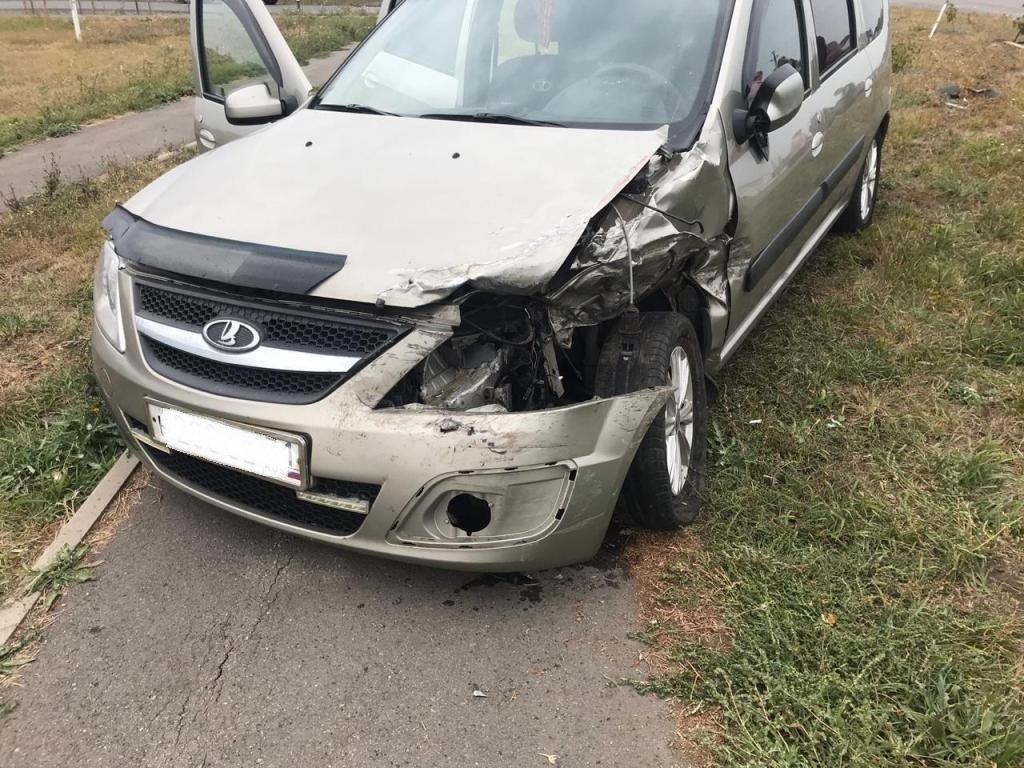В Белгородском районе водитель «Лады» влетел в опору ЛЭП, фото-2