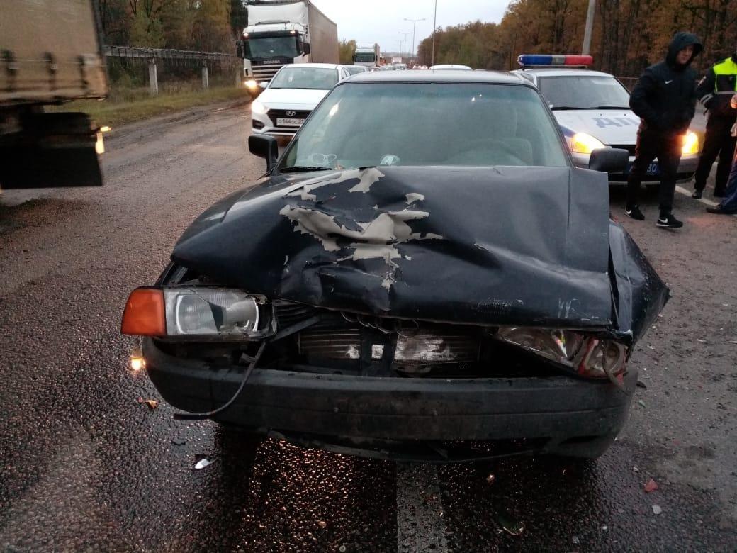 В Белгороде водительница Porsche Cayenne сбила мужчину, фото-1