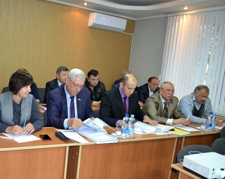 Три кандидата претендуют на пост главы администрации Губкинского горокруга, фото-1