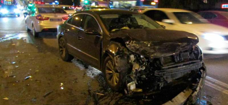 В Белгороде в столкновении двух иномарок пострадали три человека, фото-3