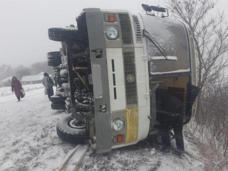 Под Белгородом в ДТП с автобусами пострадали две девочки, фото-1