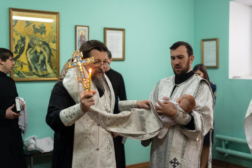 В следственном изоляторе Белгорода крестили младенца, фото-2