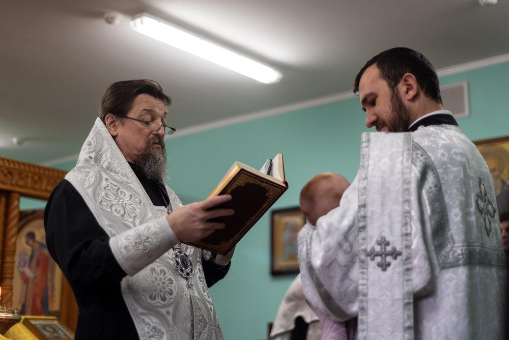 В следственном изоляторе Белгорода крестили младенца, фото-3