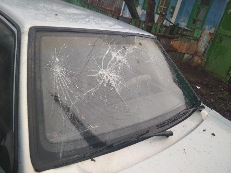 Угон машины закончился для старооскольцев разбитым головами лобовым стеклом , фото-1