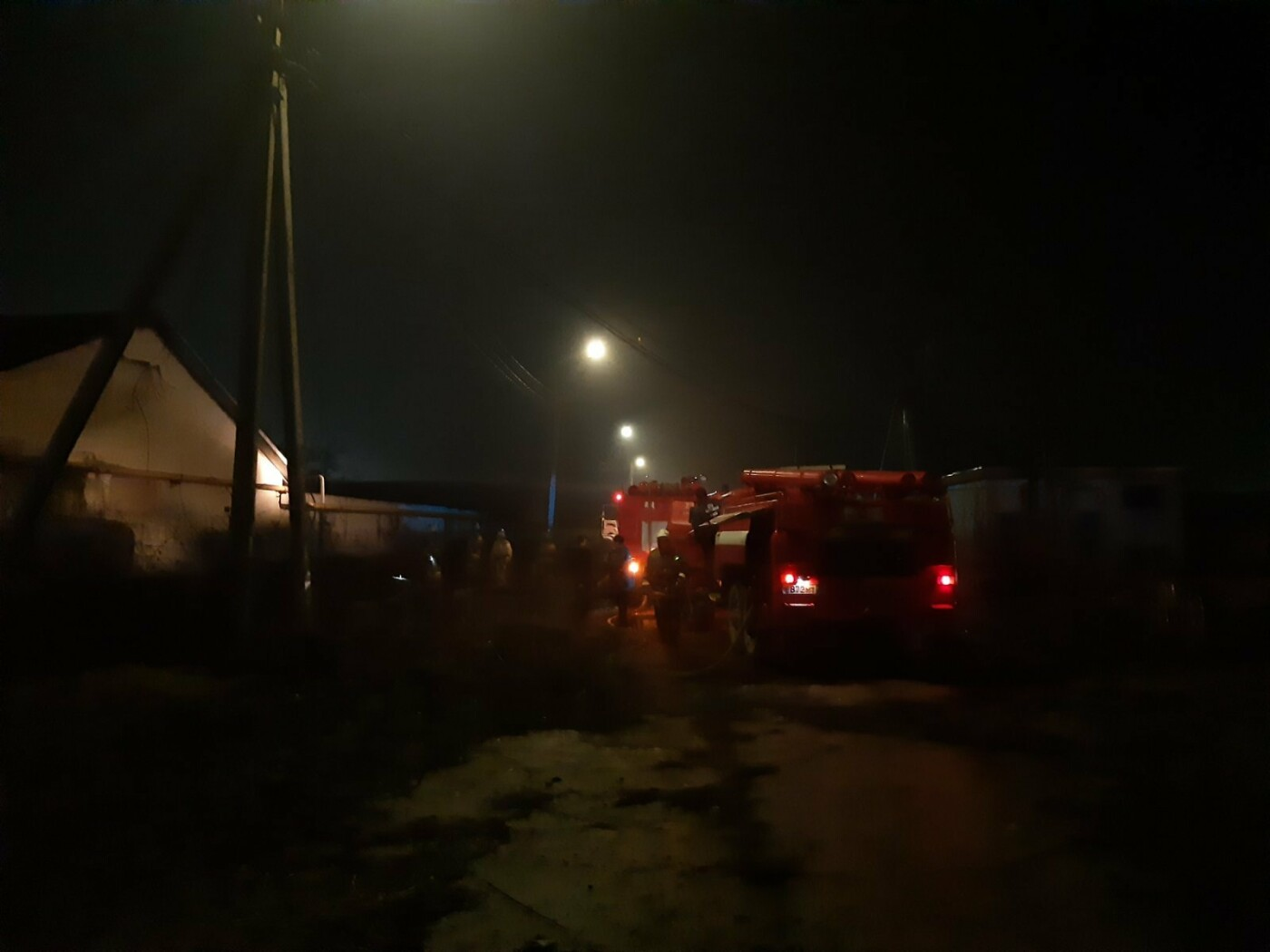 В Белгородской области ночью горел свинокомплекс, фото-1, Фото: пресс-служба Главного управления МЧС по Белгородской области