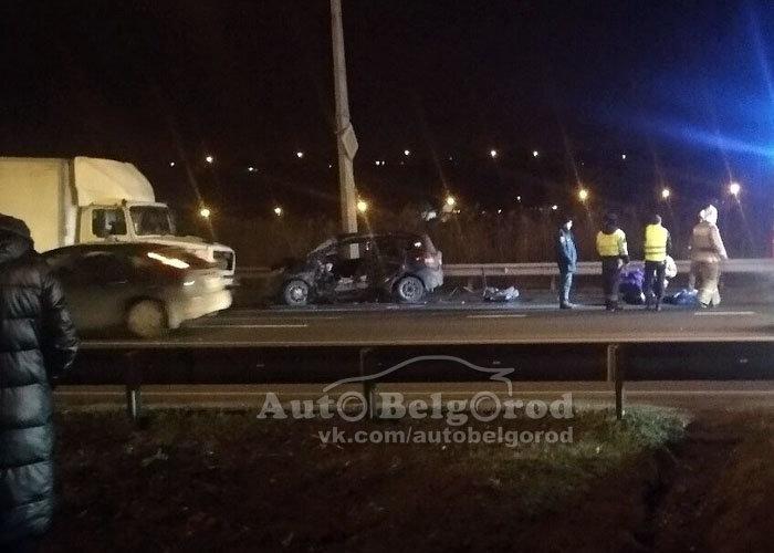 В столкновении грузовика и иномарки под Белгородом погиб мужчина , фото-1