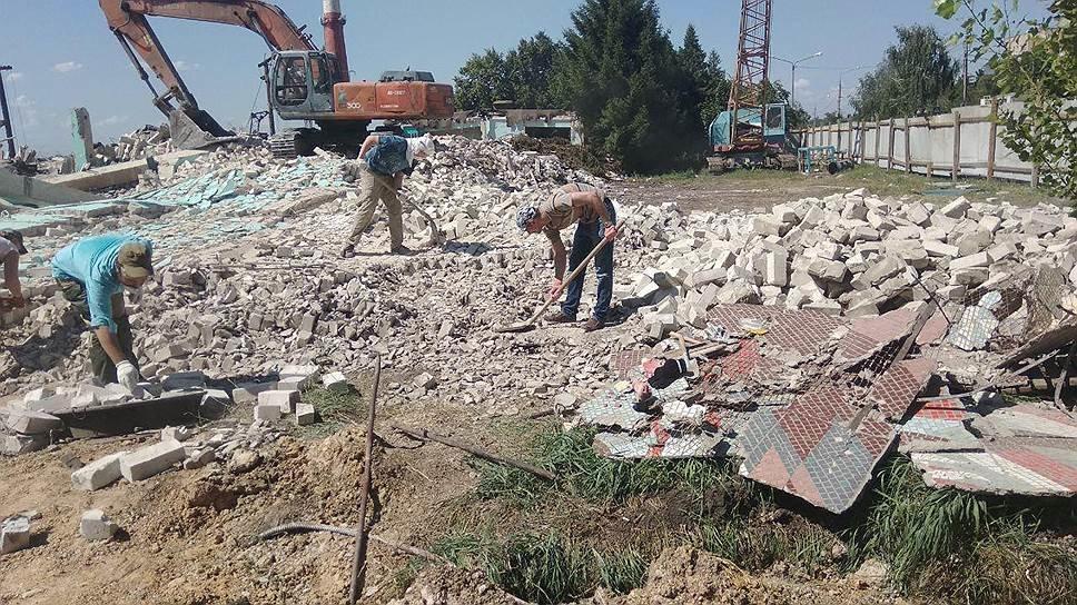 Разрушенная в Белгороде 12-метровая мозаика вошла в десятку архитектурных потерь России, фото-1