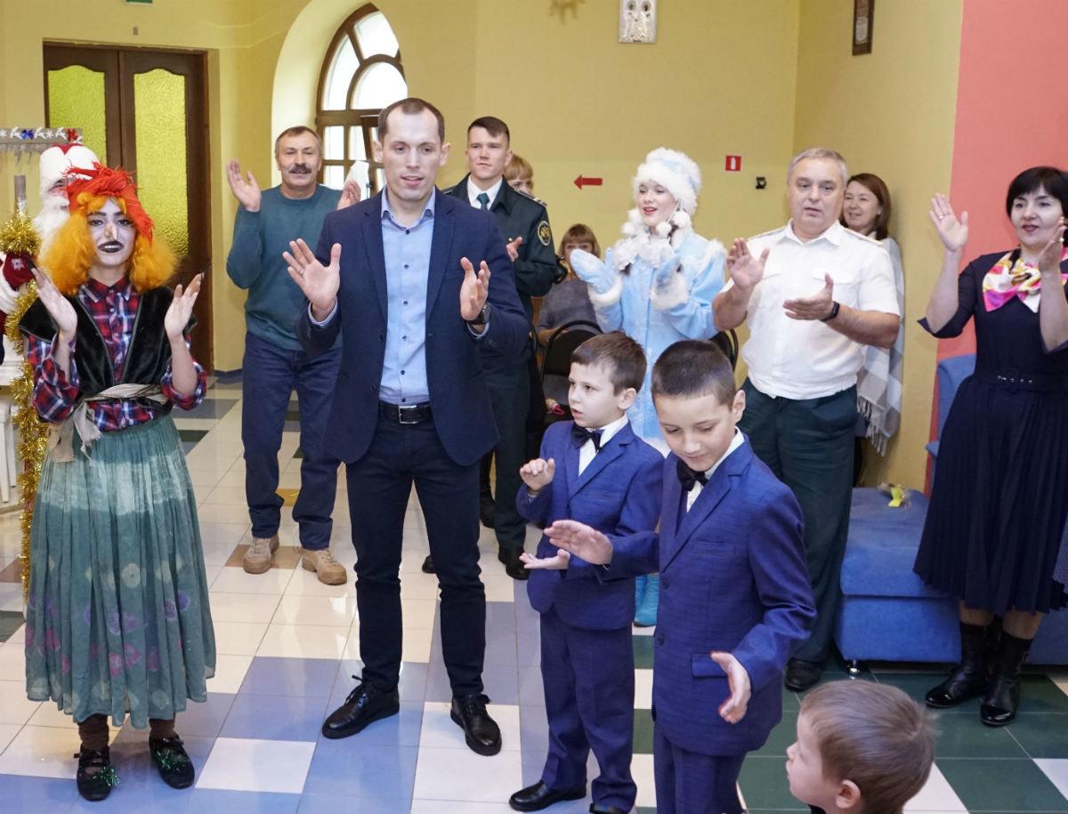 Время волшебства и чудес. Профсоюз «Правда» поздравил с Новым годом воспитанников детских домов, фото-4