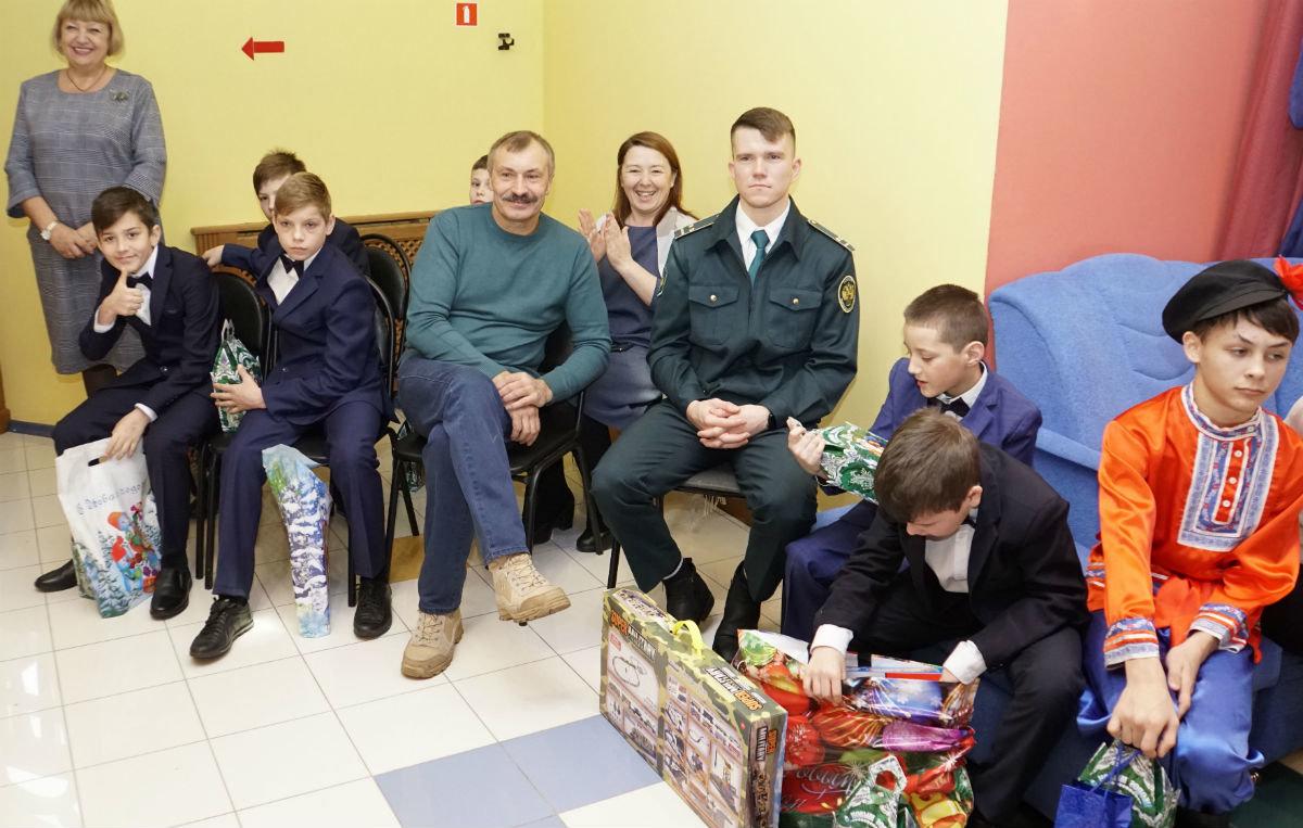 Время волшебства и чудес. Профсоюз «Правда» поздравил с Новым годом воспитанников детских домов, фото-7