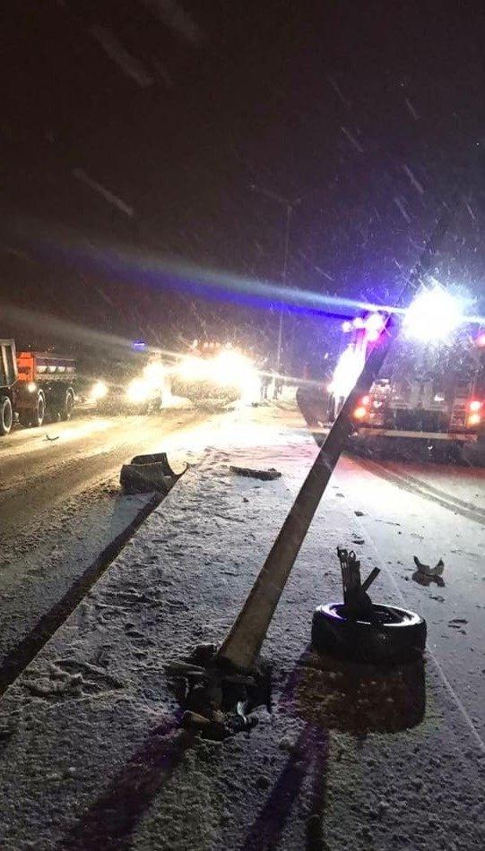 Под Белгородом легковушка влетела в КамАЗ: водитель погиб, фото-1