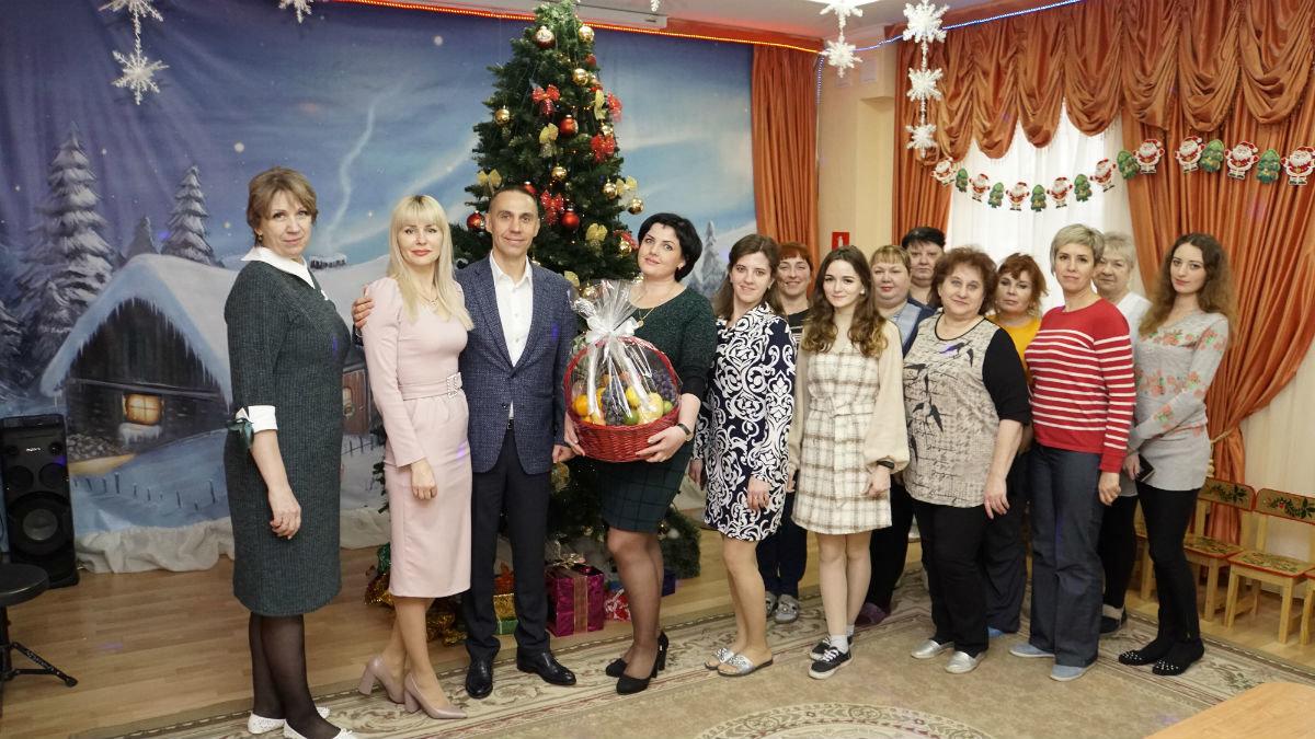 Наступает время чудес. Новогодний экспресс поздравлений прибыл на 15-й округ Белгорода, фото-1
