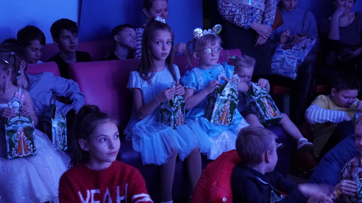 Наступает время чудес. Новогодний экспресс поздравлений прибыл на 15-й округ Белгорода, фото-23