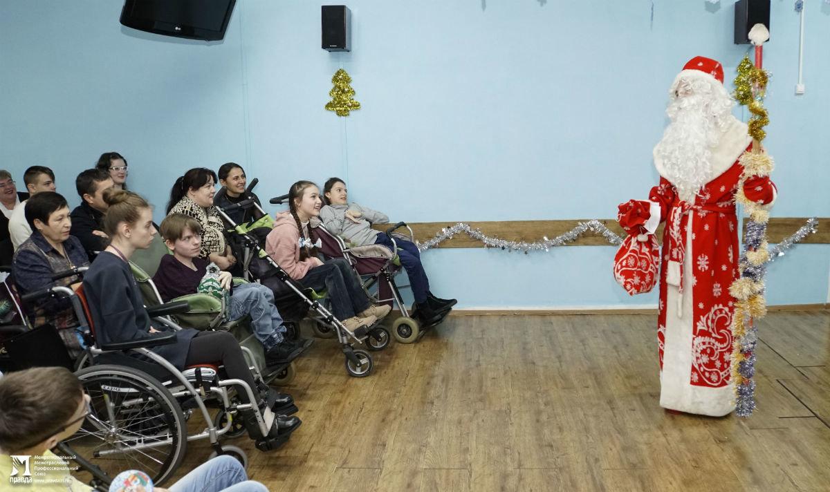 Профсоюз «Правда» организовал новогодние праздники для своих маленьких друзей, фото-12