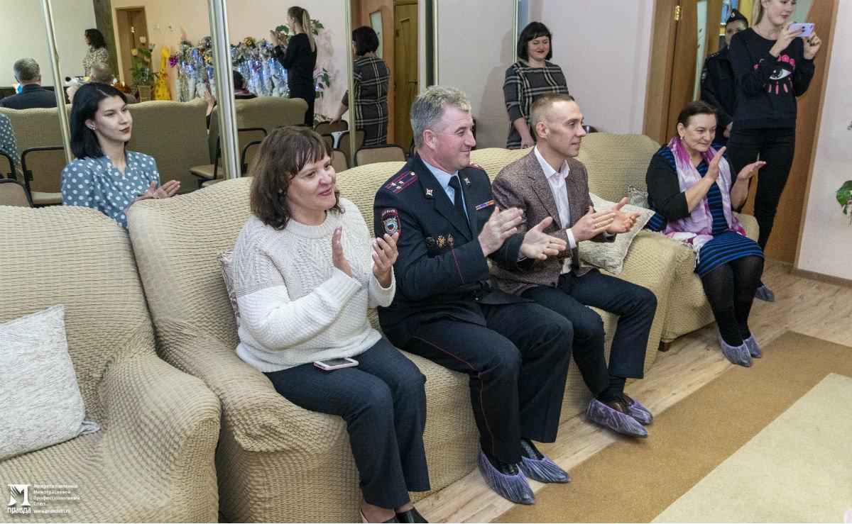 Профсоюз «Правда» организовал новогодние праздники для своих маленьких друзей, фото-14