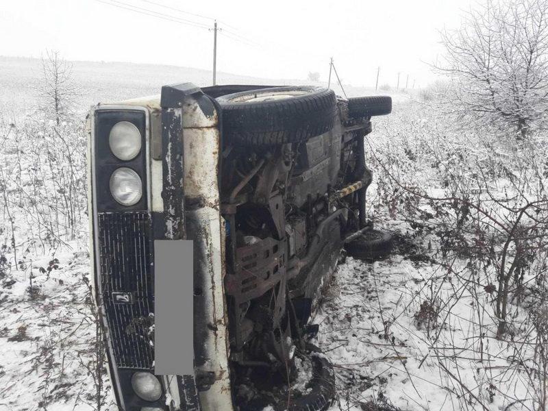 На востоке области водитель «шестёрки» попал в кювет и на больничную койку, фото-1