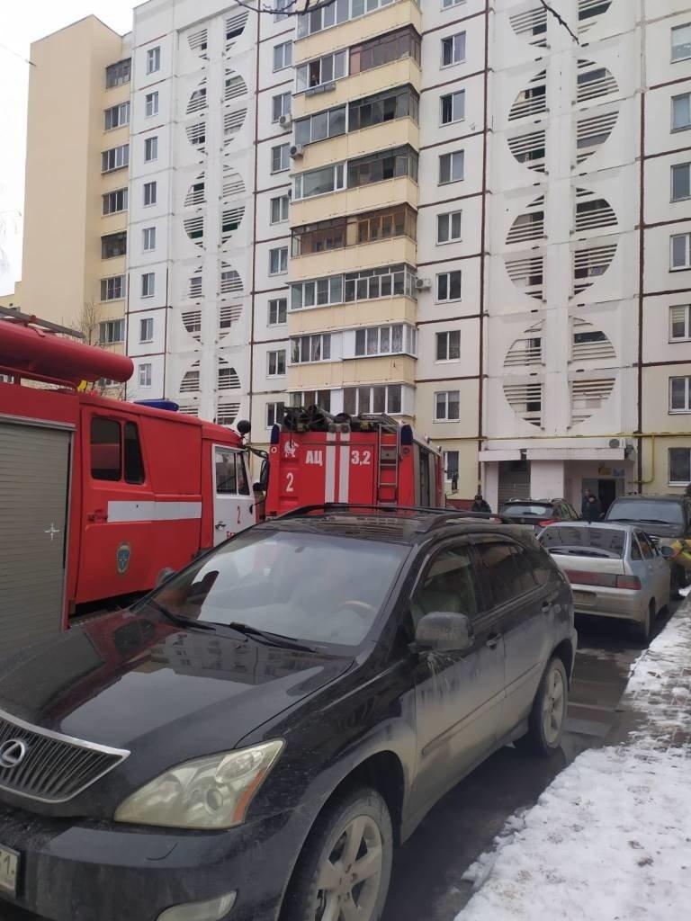 При пожаре в многоэтажке Белгорода пострадал жилец, фото-1