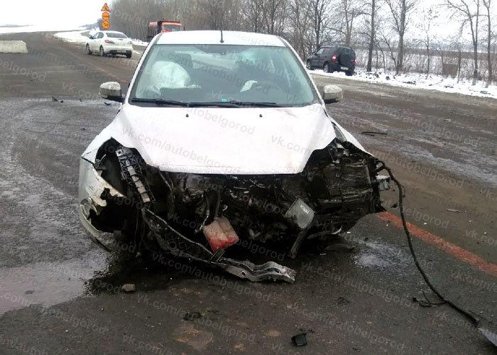В Белгородской области «одиннадцатая» столкнулась с иномаркой, есть пострадавший, фото-1