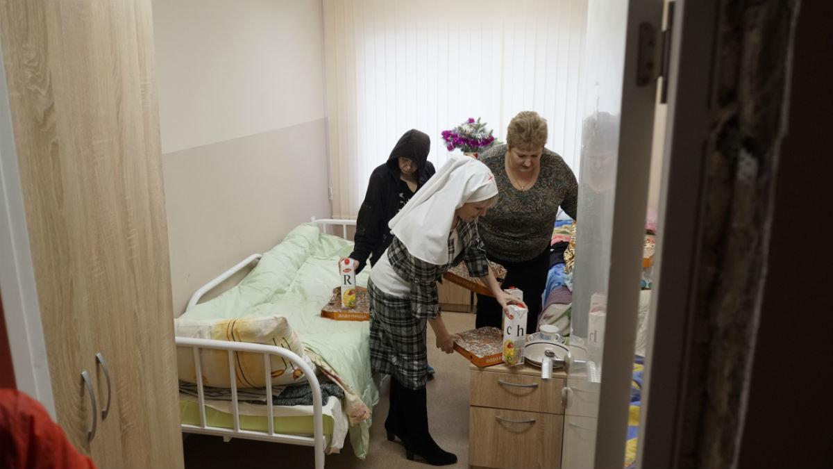 Митрополит Иоанн, мэр Белгорода Юрий Галдун и Сергей Фуглаев посетили центр «Милосердия и забота» в Белгороде, фото-5