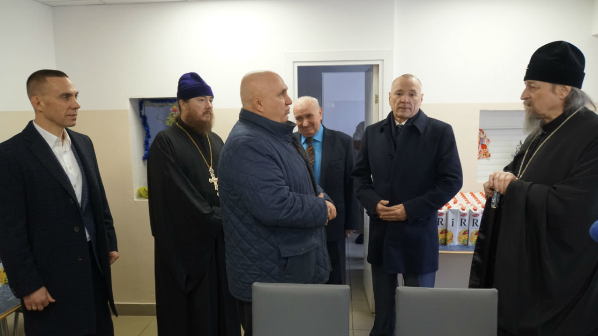 Митрополит Иоанн, мэр Белгорода Юрий Галдун и Сергей Фуглаев посетили центр «Милосердия и забота» в Белгороде, фото-11